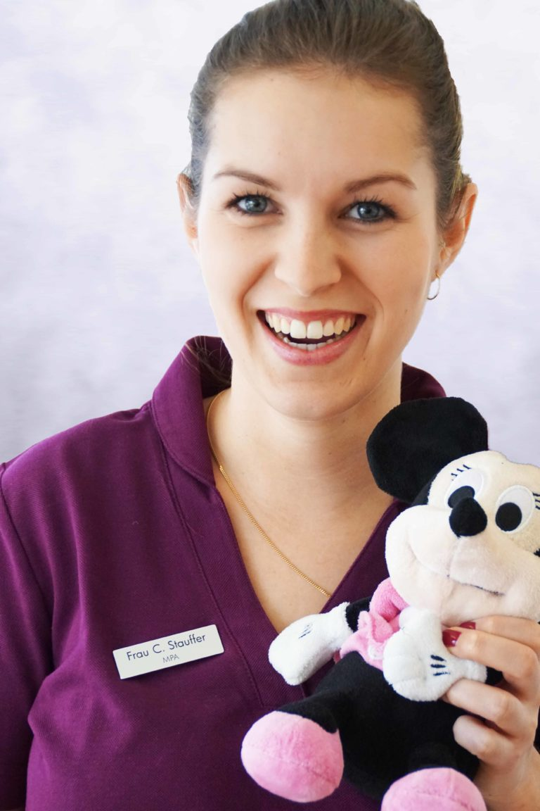 Corina Stauffer, MPA bei Kinderarztpraxis Central in Horgen bei Dr. med. Zehnder